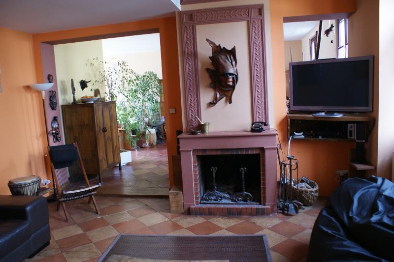 GRANDE MAISON près BORDEAUX, holiday rental in Saint-Jean-d'Illac