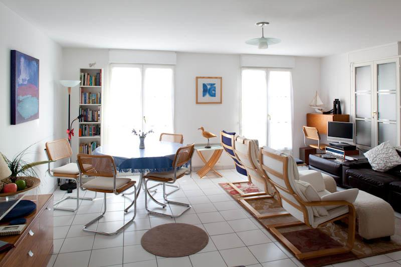 Bright spacious living area with stunning views over Seine Estuary