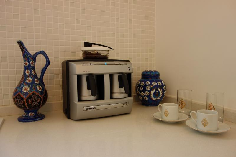 Complete with Automatic Turkish Coffee Machine