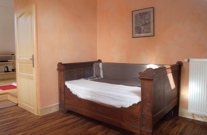 Le lit bateau (une personne).