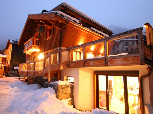 Chalet Hunter ~ in the Winter