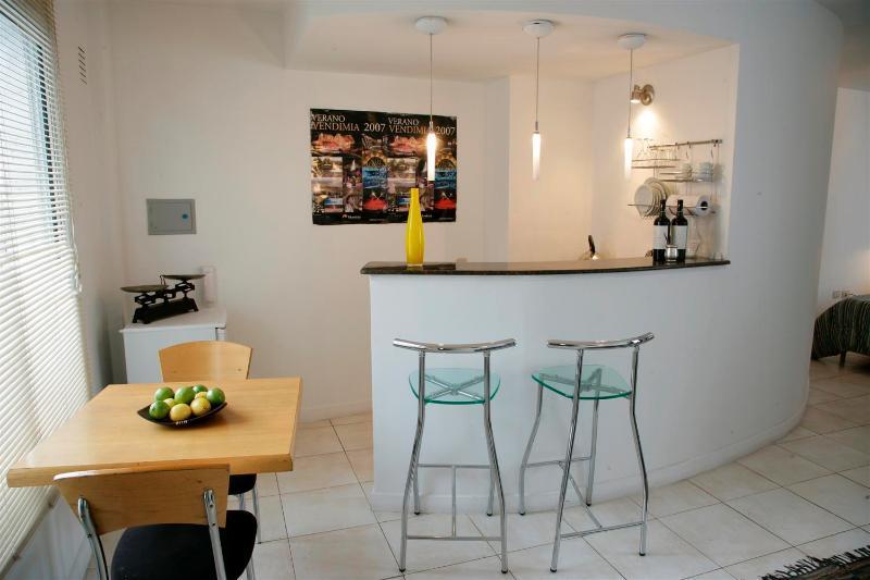 cozinha totalmente mobilada