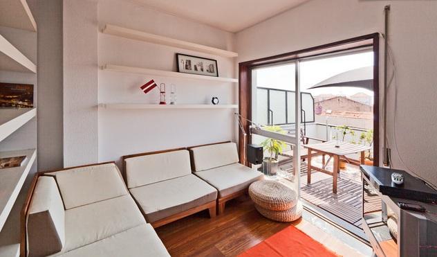 Room / Sofa