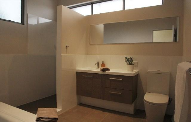 Clean, bright, comfortable bath room
