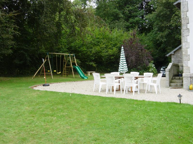 Large private garden - ideal for playing and relaxing together.