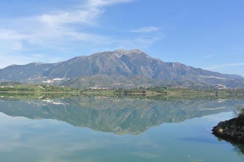 Lago Vinuela - 5 minutos - deslumbrantes! A imagem não faz justiça a vista real!