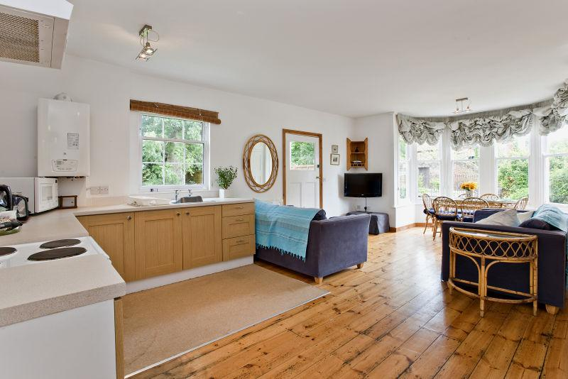 Sunny, south facing open plan living/dining area