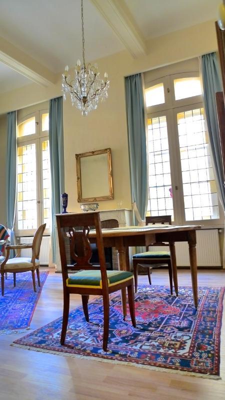 Mesa na sala de estar