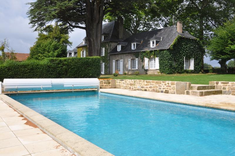 Demeure du Bost, French Mansion with pool in the heart of France
