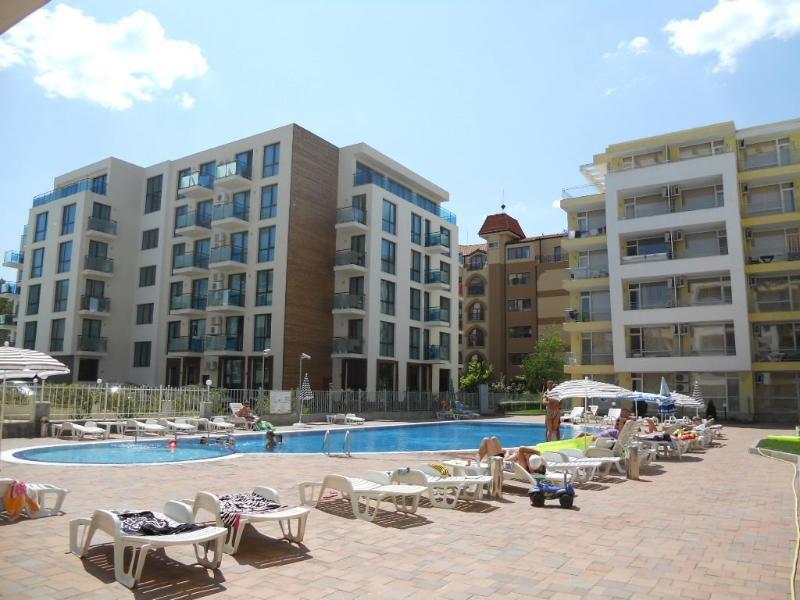 Pool area (2)