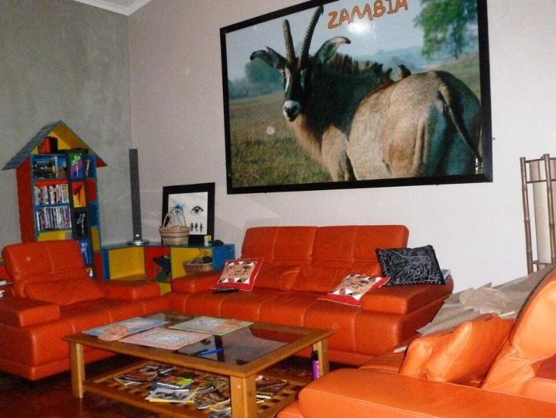 TV and games room, seating for the whole family :+}