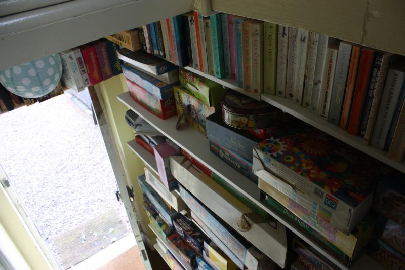 Libros y juegos.