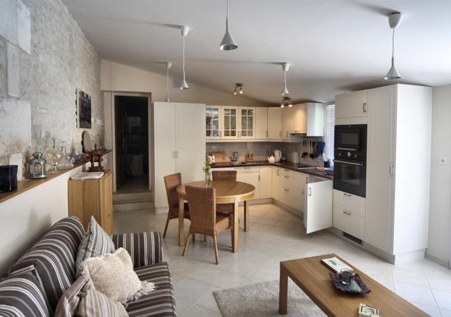 La Petite Maison Beautiful Interior
