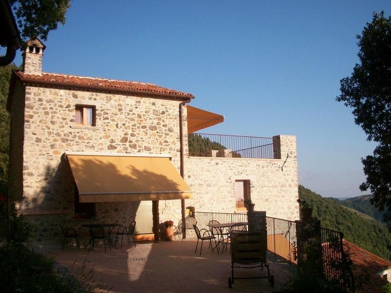 Borgo Le Caselle -Casa Soprana, location de vacances à Tramutola