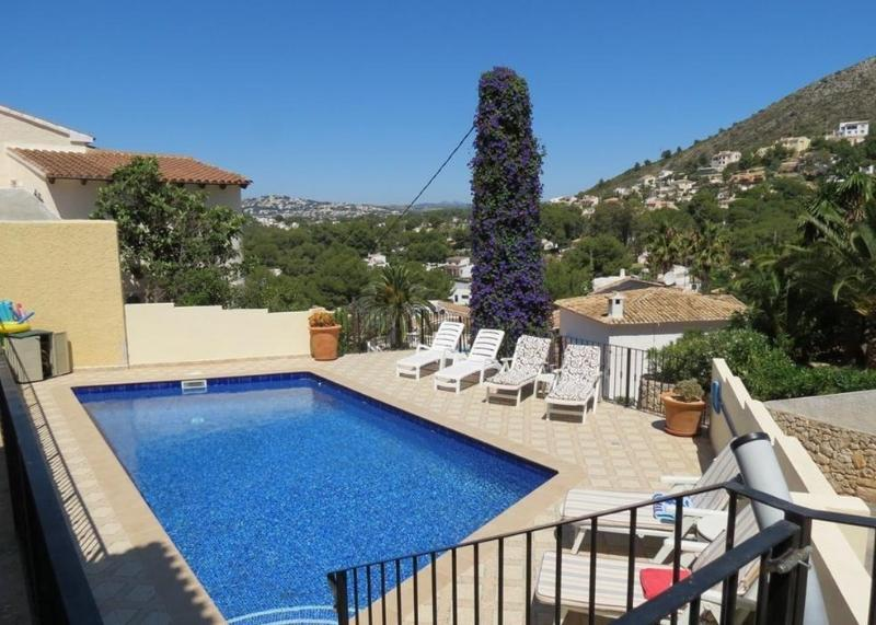 8x4 pool with roman steps for easy access, solar shower and ample sun terrace.