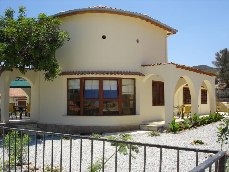 4 Carob Villas, holiday rental in Kayalar