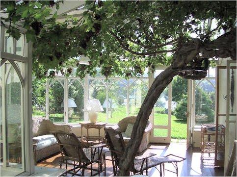 The conservatory, living area