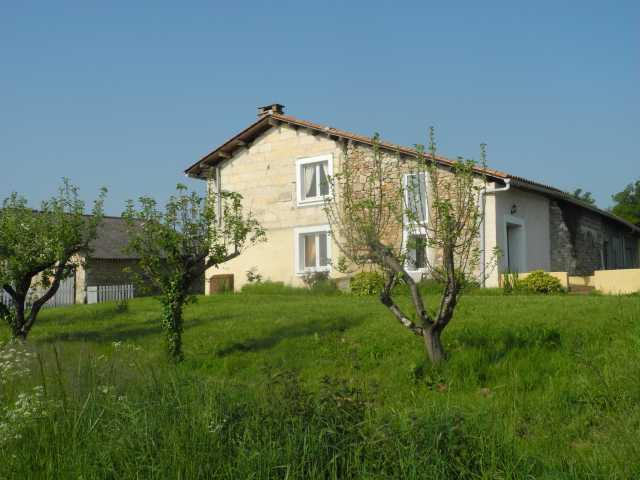 The Old Apple Store at BonAbri, holiday rental in Parcoul