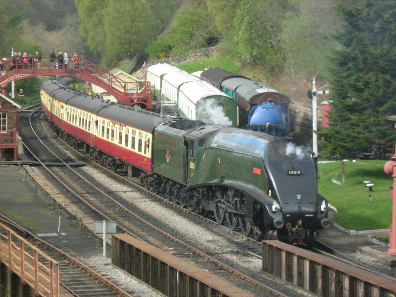 Steam trains through Ruswarp