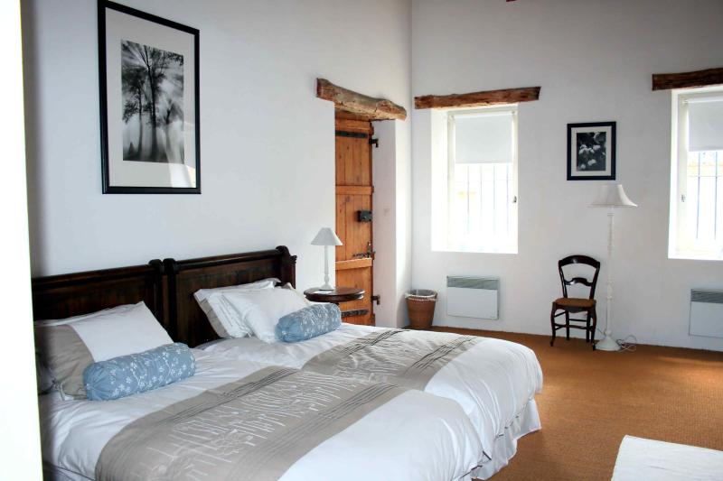 Twin/double room sleeping 4 with own ensuite