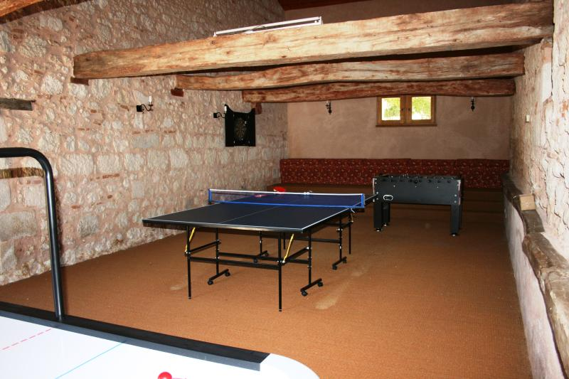 Large fully equipped games room in converted barn