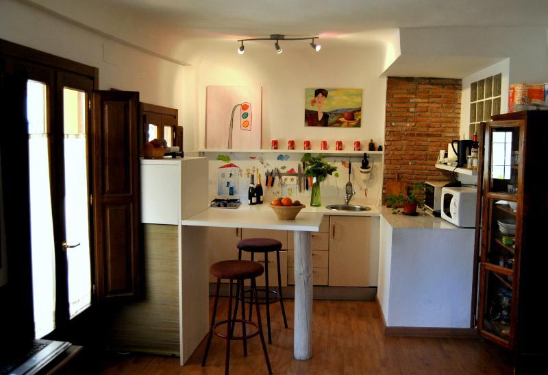 1 kitchenette