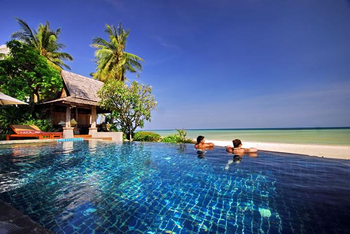 Baan Sarika 5 BR Luxury Beachfront Villa, vacation rental in Lamai Beach