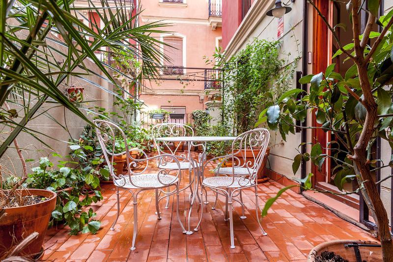 Terrasse de 26 m² exposée sud, très ensoleillée et agréable en été