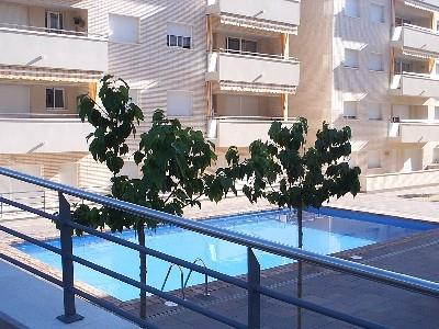 Apartment 64m2, Terraza 20m2. PISCINA. Aire Acondc, vacation rental in Lloret de Mar