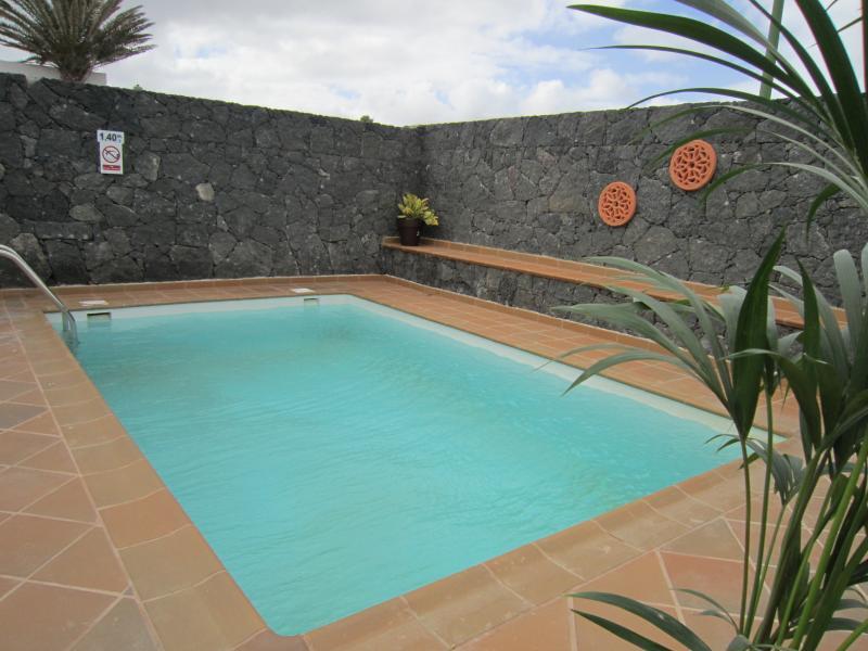 Villa las cadenas con piscina privada climatizada tinajo espa a actualizado 2019 - Villas en lanzarote con piscina privada ...