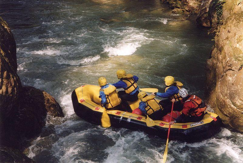 Rafting sotto le cascate