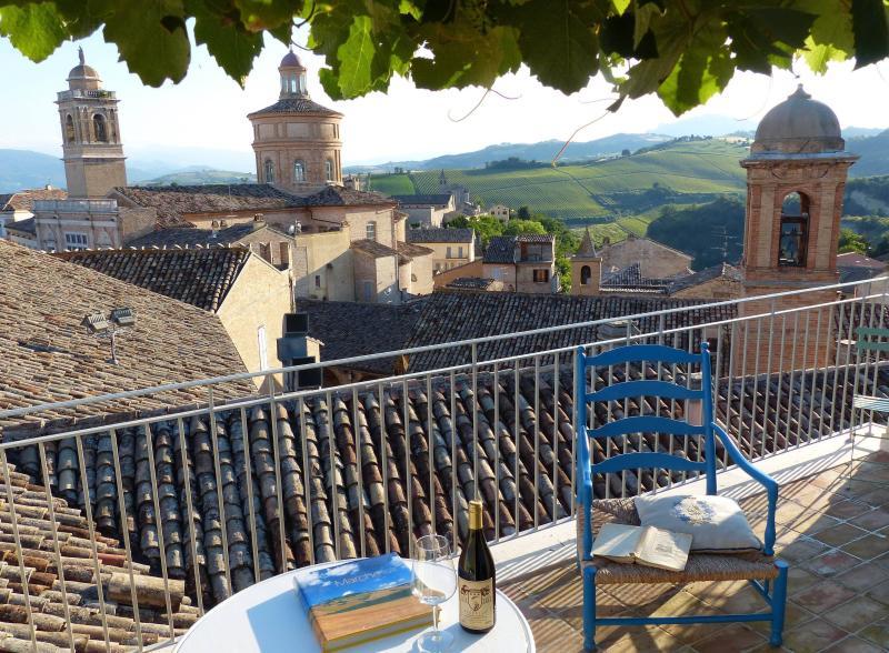 LucioeLucia_La terrazza a Offida, holiday rental in Province of Ascoli Piceno