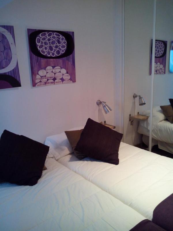 Deuxième chambre avec deux lits simples