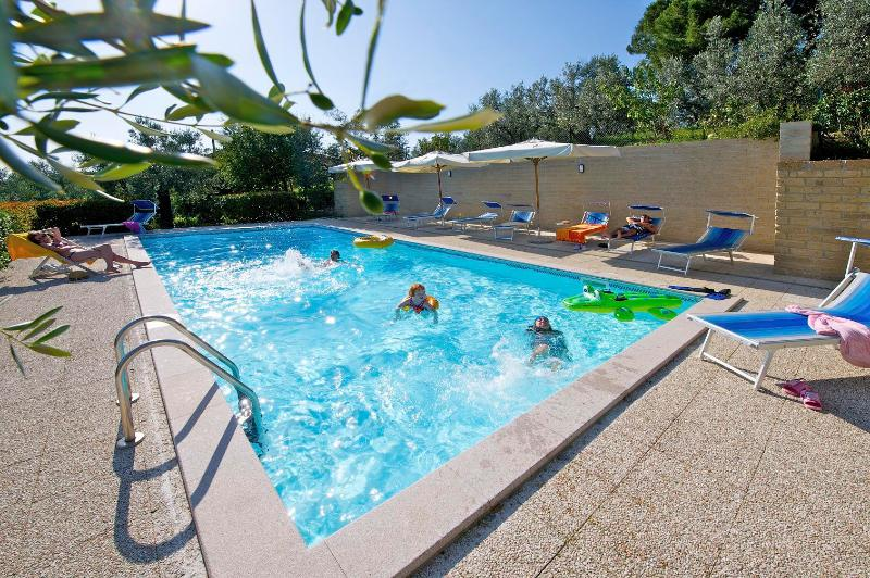 Podere Zollaio - the swimming pool