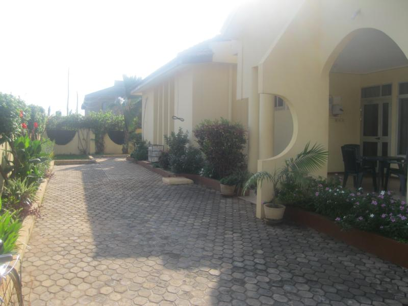 Fantastic three bedroom accommodation in Accra Ghana with Pool