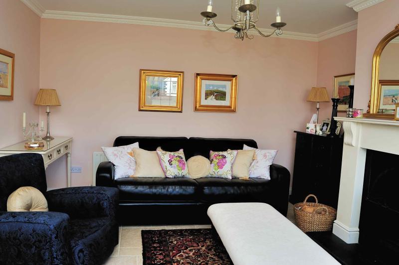 Zeer comfortabele woonkamer met open haard