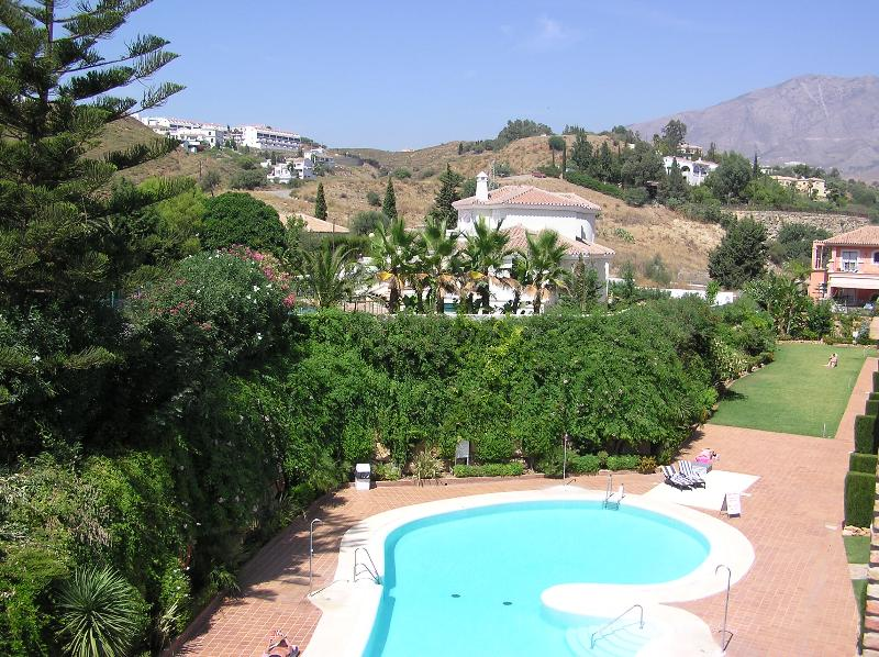 Terrace view to pool & mountain