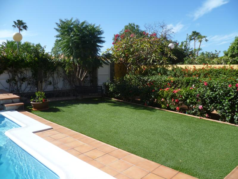 The Garden ; Sun Trap throughout the day - perfect for tanning