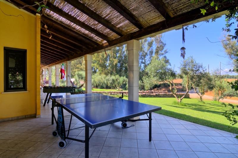 veranda con ping pong