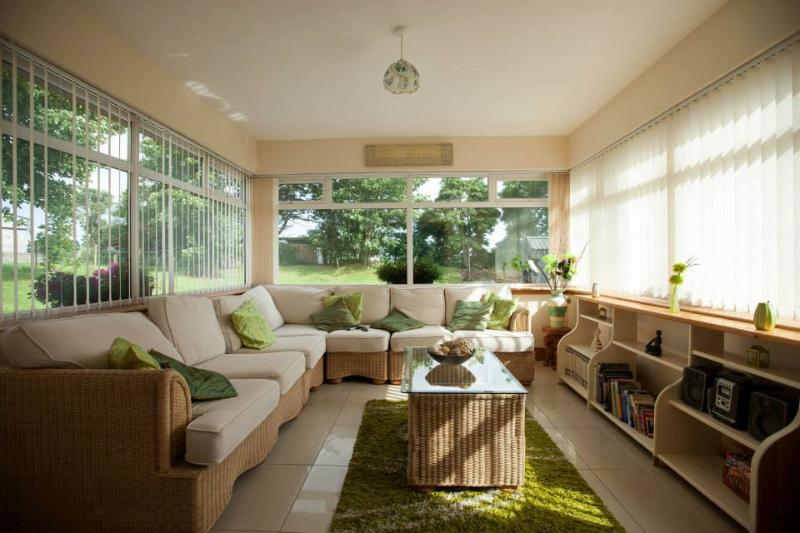 Large Setting Area/Conservatory/Sitting Room