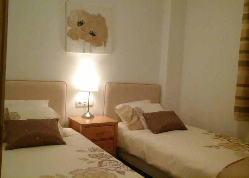 Twin room with 2 single beds.