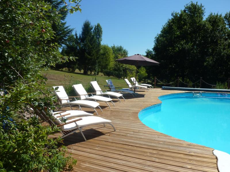 Farmhouse with private heated swimming pool in the Aveyron / Lot Valley