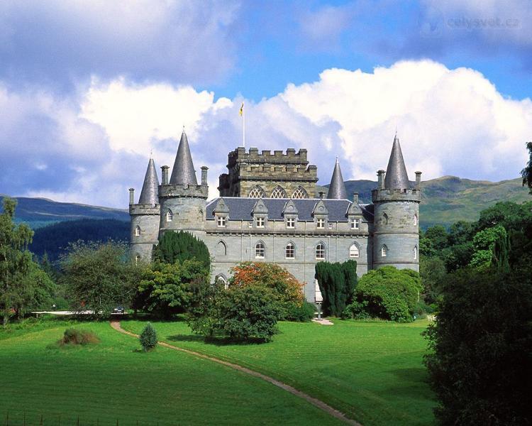 Castelo de Inverarary nas proximidades