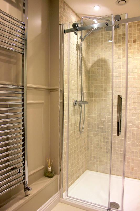 Beau Nash Bedroom en-suite shower room with rainfall shower and Molton Brown toiletries