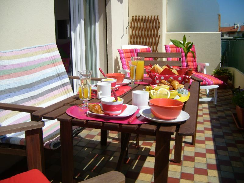 Relax with Champagne Breakfast or Lunch on the Balcony