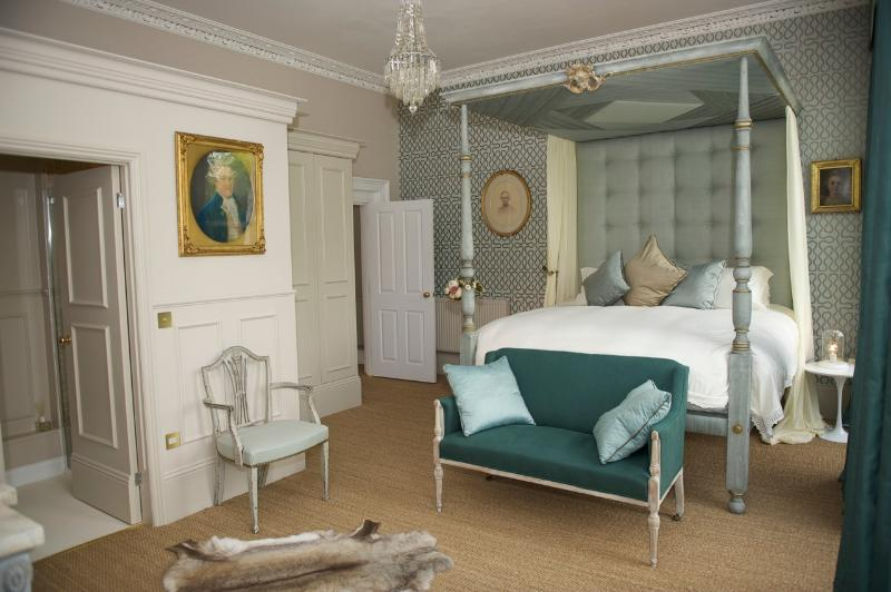 'Beau Nash' Four Poster Master Bedroom Suite