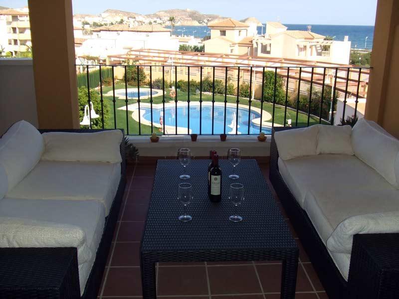 Costa Serena 421 -Wonderful sea views, walk to beach. Free WIFI. UKTV, holiday rental in San Juan de los Terreros