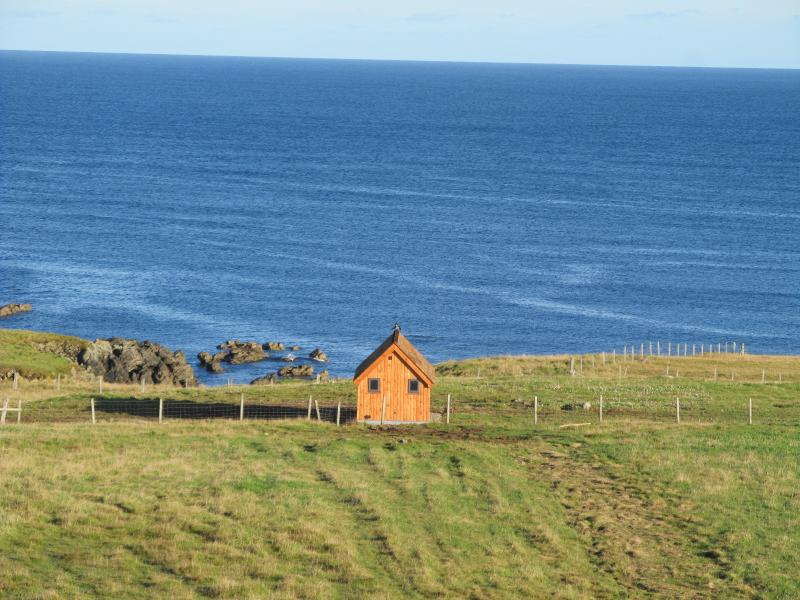 Hebridean Huts (Heather Hut), vacation rental in Lewis and Harris