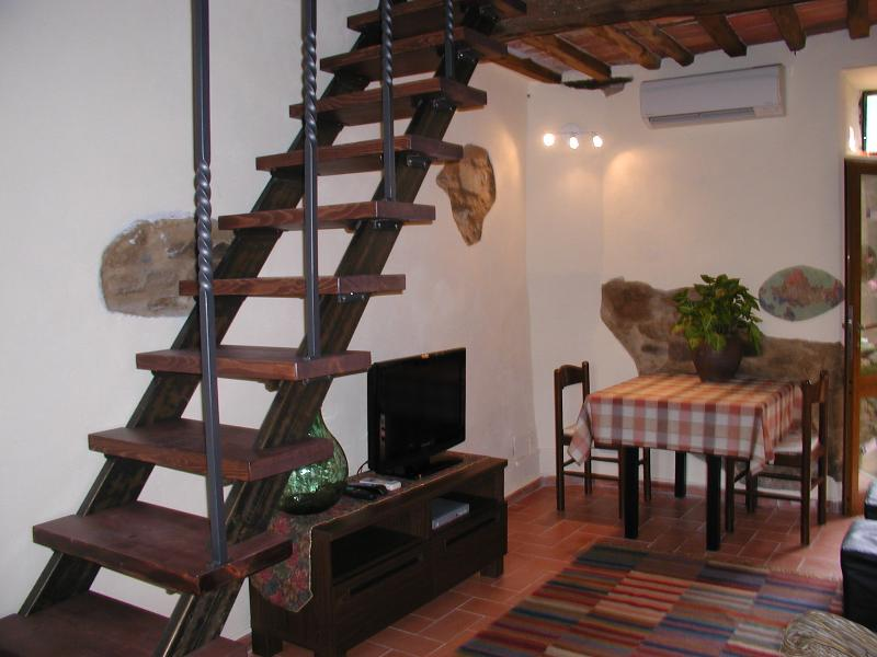 De Cottage eetgedeelte en Loft trappen