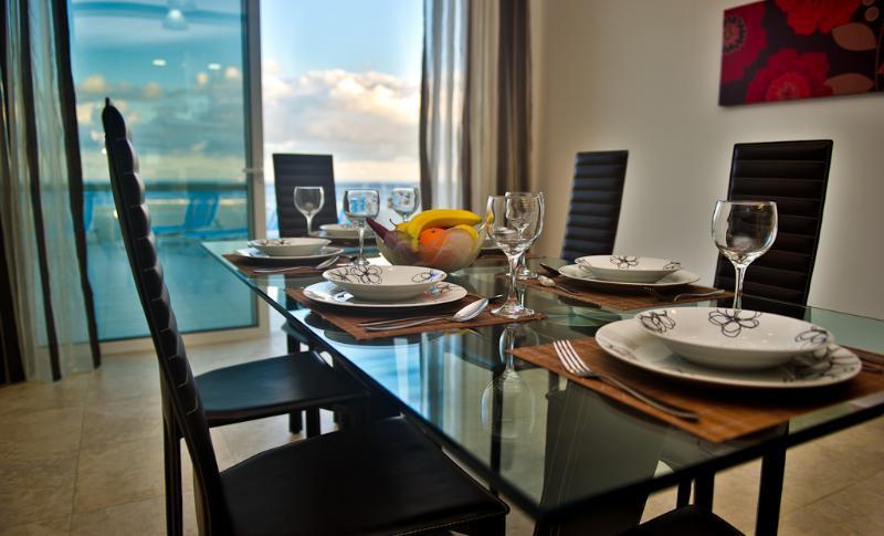 WatersEdge 3 bedroom no1, vacation rental in Floriana